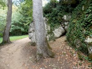 La Rochecourbon - Les grottes - 01